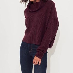 Hollister • Ribbed Turtleneck Sweater NWT Small